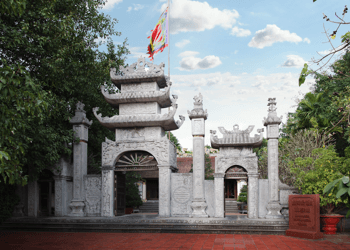 Trang Kenh Temple – The Tran Saint worshiping