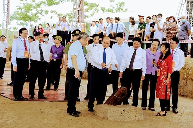 Thu tuong khoi cong bai coc Cao Quy