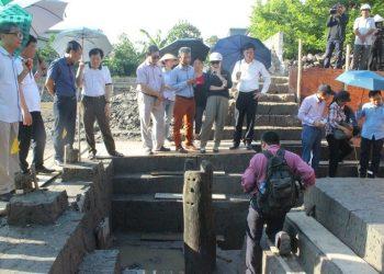 Phát lộ 30 cọc gỗ tại bãi cọc Đầm Thượng, Thủy Nguyên